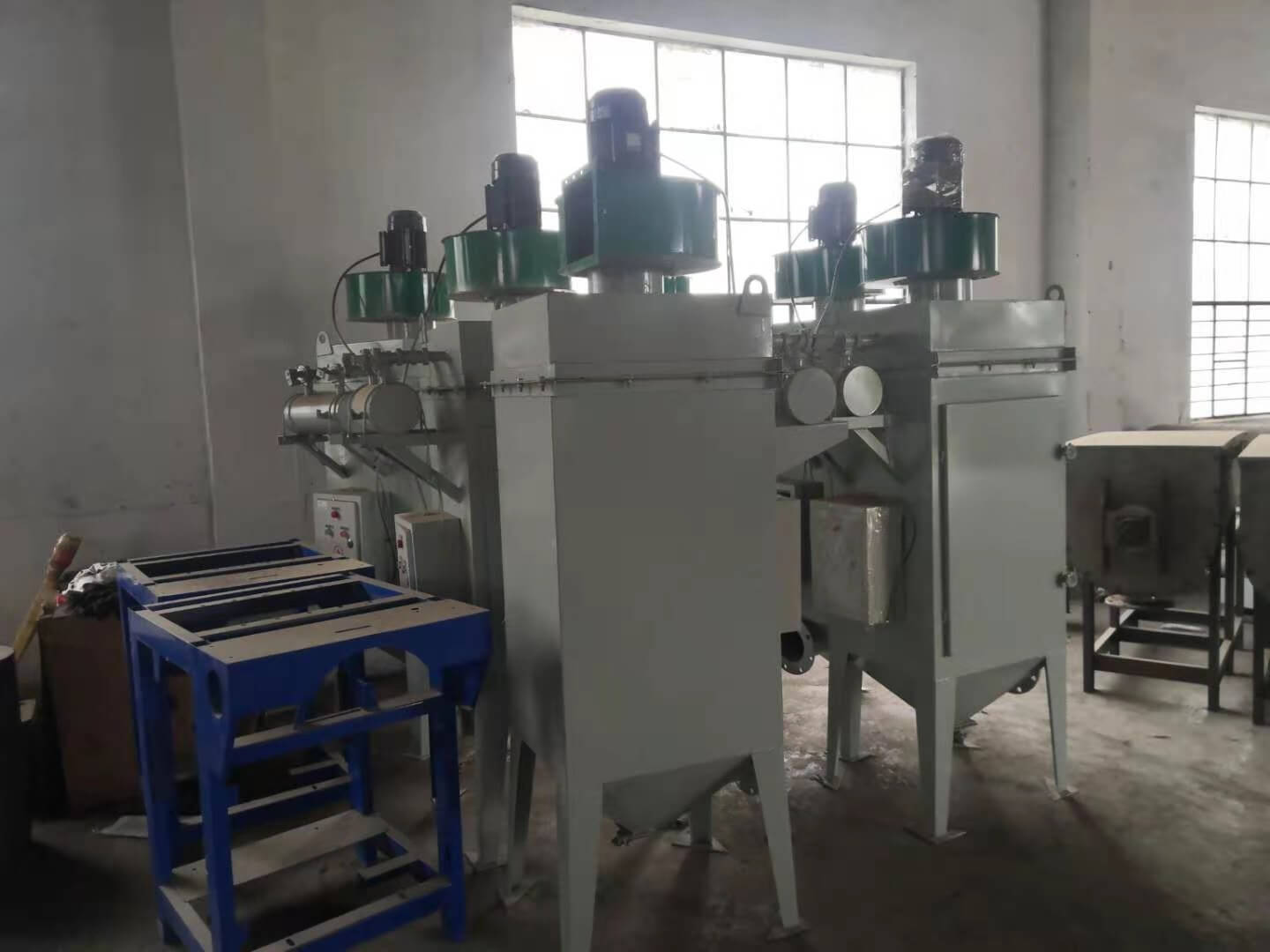portable industrial dust collector